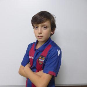 11 - Alejandro Bajuk