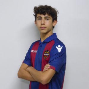 11 - Carlos Falco