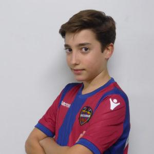 12 - Álvaro Varona
