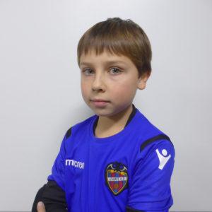 13 - Mario Castro