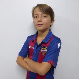 9 - Lucas Serrano