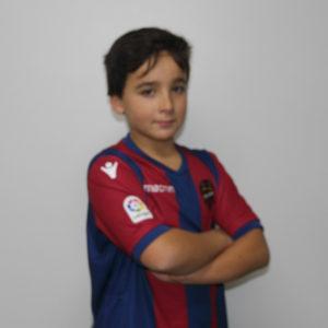 98 Roberto Benítez