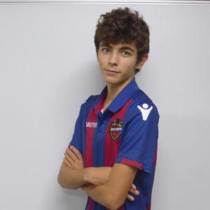 17 - Álvaro Peiró